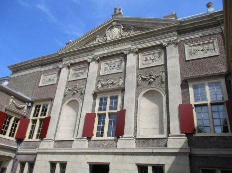 Lakenhal Oude Singel